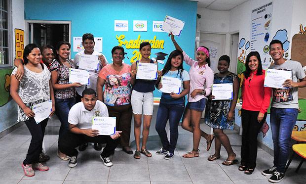 Talleres de 'Pasaporte Para El Éxito', de NEO Panamá se llevan a cabo con éxito en los Centros de Alcance Por Mi Barrio