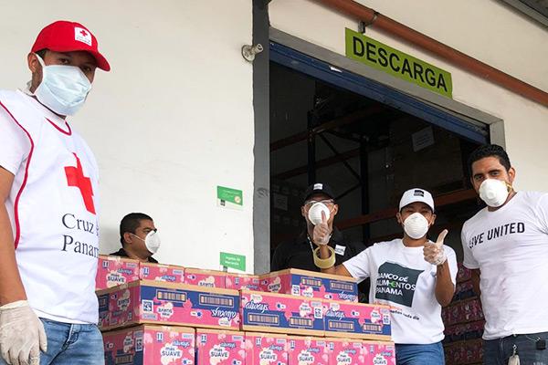 Gracias a nuestros socios Always y P&G, donamos 250 cajas de toallas sanitarias a la campaña #AlimentoSolidario
